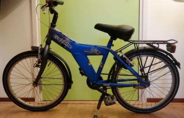 Stoere blauw zwarte fiets 20.6
