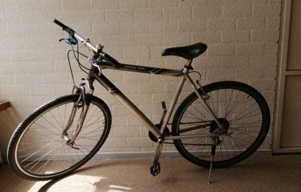 Zilveren mountainbike • 28.2