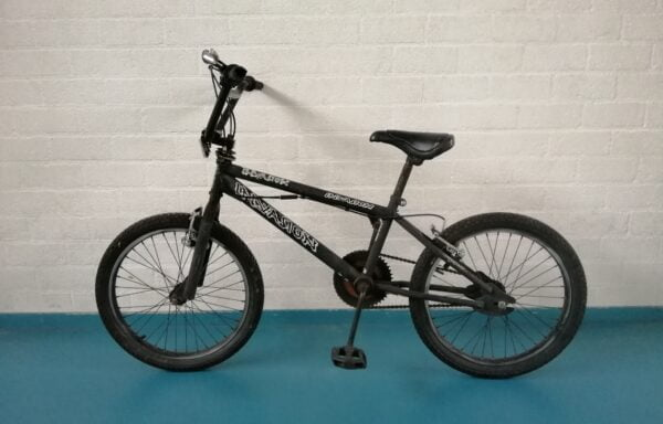 Zwarte BMX • 20.19