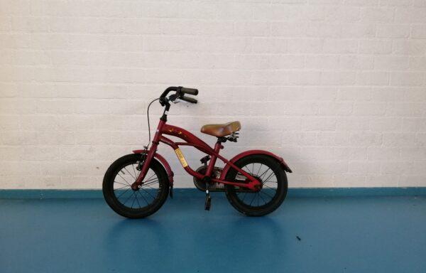 Stoere rode fiets • 14.3
