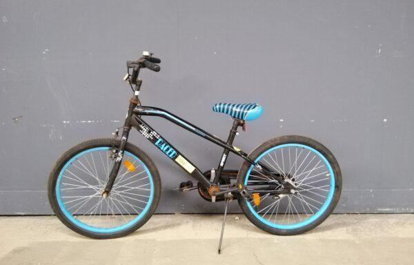 Stoere blauw zwarte fiets • 22.7